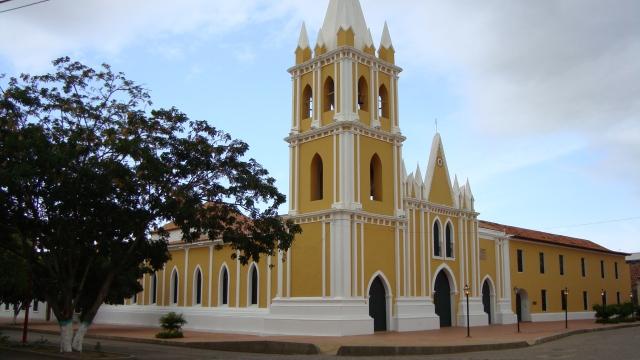 Iglesia_en_Coro.JPG