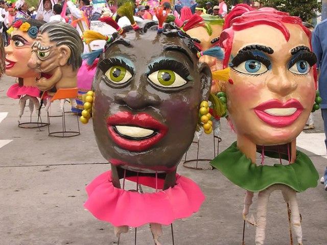 cabezas_de_carnaval_del_desfile_de_comparsas_2006